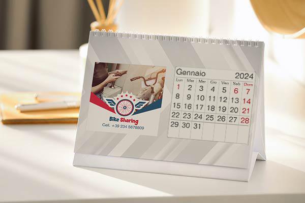 Calendario Da Tavolo Personalizzato Gratis Sfondo