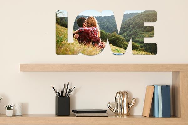 poster mirai love